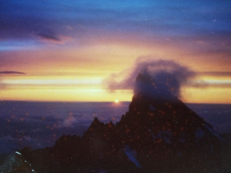 Rock Climbing Photo: Sunrise on Liberty Ridge, MT. Ranier