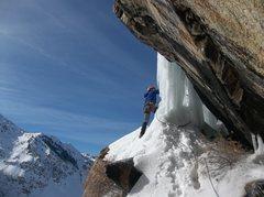 Rock Climbing Photo: Photo Credit: Amber Boney  Jeff Boney rounding the...