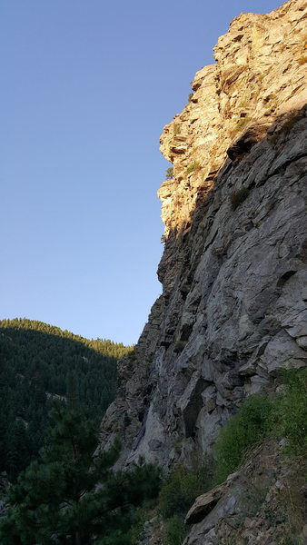 A photo of the crag from a far. Incorporating Black Gold and Play'n Hooky