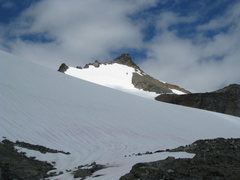 Rock Climbing Photo: Looking up the gentle Sahale Glacier towards the s...