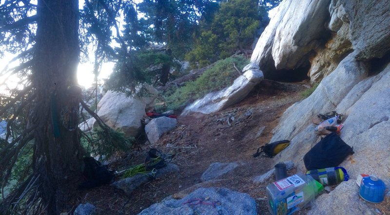 Cave Man Sub-Alpine Bivi!!