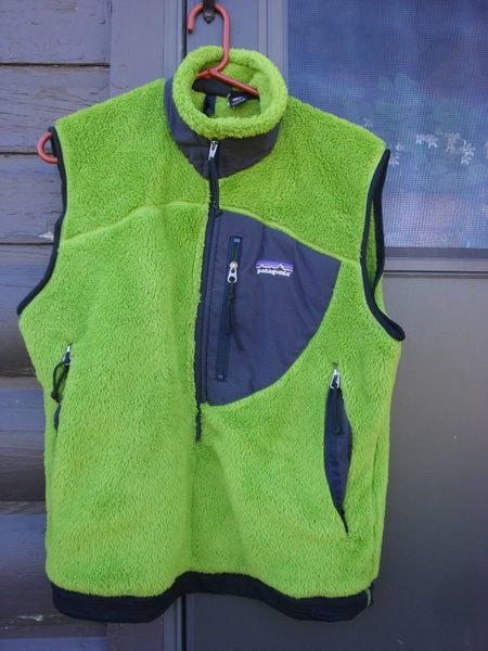 Rock Climbing Photo: Patagonia Fleecy Pullover Vest