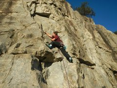 Rock Climbing Photo: Rather than bother looking for holds on the right,...