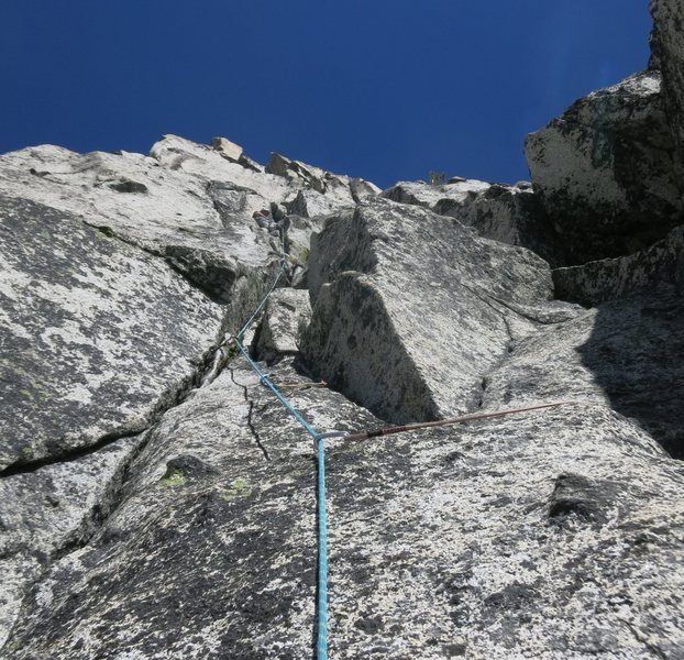 ~150&@POUND@39@SEMICOLON@ into P2 (or 30&@POUND@39@SEMICOLON@ into P3).  Ended up being .9+ further up, so maybe we were off route.  At this point my partner tried going elsewhere first, then gave up, down-climbed, and climbed as shown here.