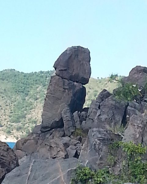 I was exploring around the island and Look at this Boulder about 25 ft high...
