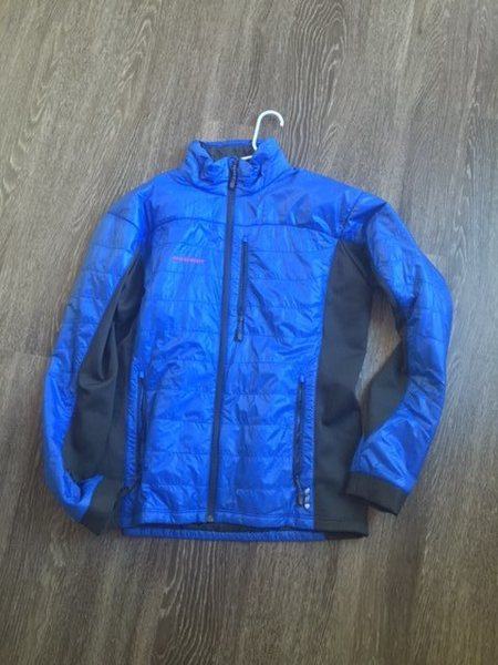 Mammut insulated Jacket , Alpha insulation , never used , Size XL, Alpine fit . Power Strecht side panels . $ 90 Shipped.