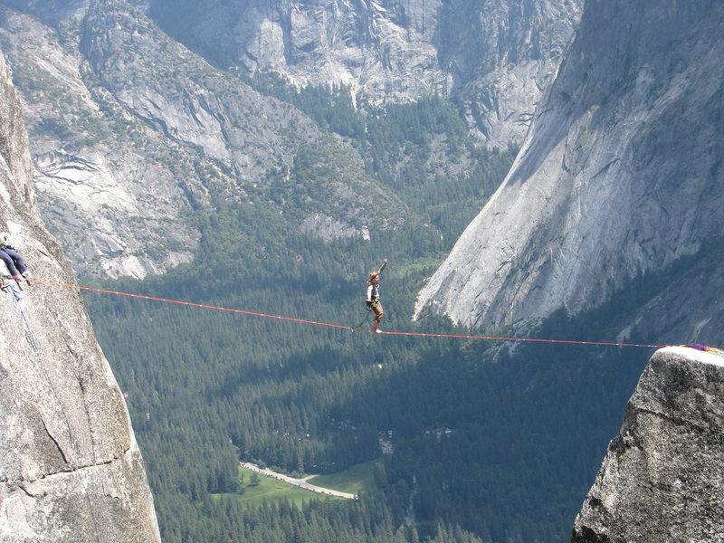 Rock Climbing Photo: Jenna Sending the lost arrow spire highline