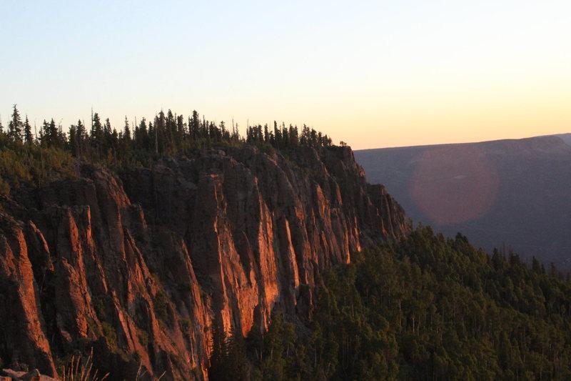 Rock Climbing Photo: Sunrise on the Aquarius Plateau