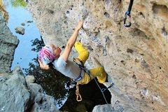 Rock Climbing Photo: noriko with the pretty drop knee