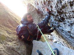Rock Climbing Photo: Pitch 3. Jeff chimneying to the chockstone belay. ...