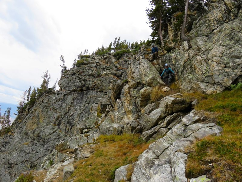 Rock Climbing Photo: Descending the SE Ridge / Lake Ledges route down t...
