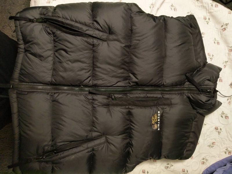 Mountain Hardwear 650 goose down vest men&@POUND@39@SEMICOLON@s size small basically brand-new