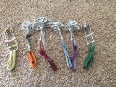Dmm 1.5 4CU, HB Wales (BD #2 equivalent), Metolius #9, #8, #7, and #6.
