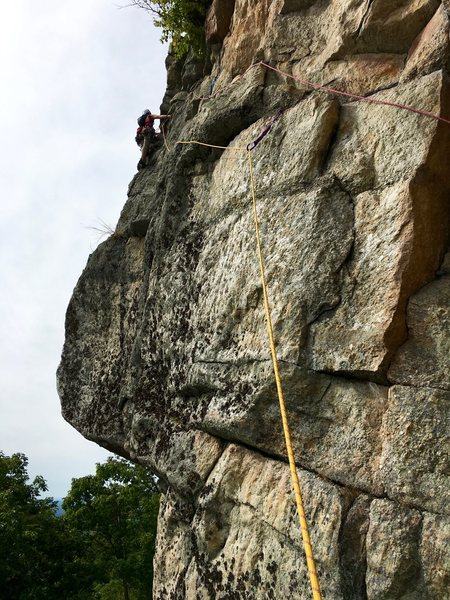 Rock Climbing Photo: The initial traverse on pitch 2, before rounding t...