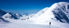 Rock Climbing Photo: Looking along the ridge from Mt. Capps towards Kah...