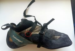Rock Climbing Photo: the actual shoe w/ broken part circled in red