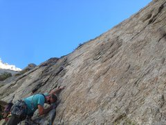Rock Climbing Photo: This 6 pitch route begins with a boulder problem. ...