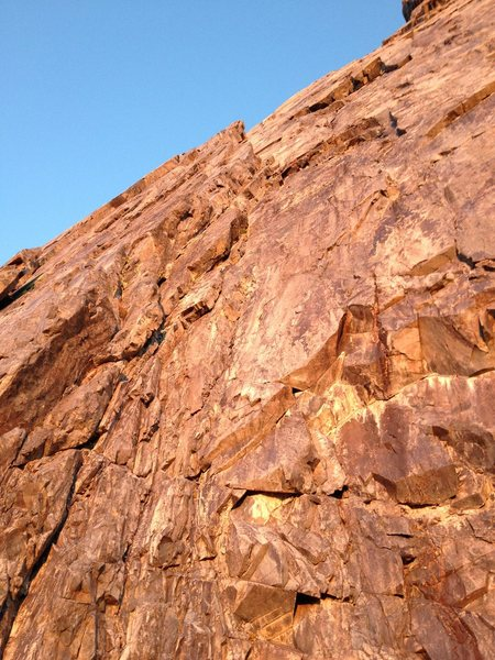 Looking up the first two pitches of the direct start to Clyde Minaret&@POUND@39@SEMICOLON@s SE Face route.
