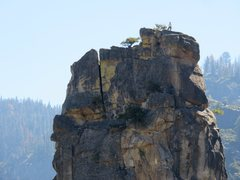 Rock Climbing Photo: Climbers topping out on the Regular Route.