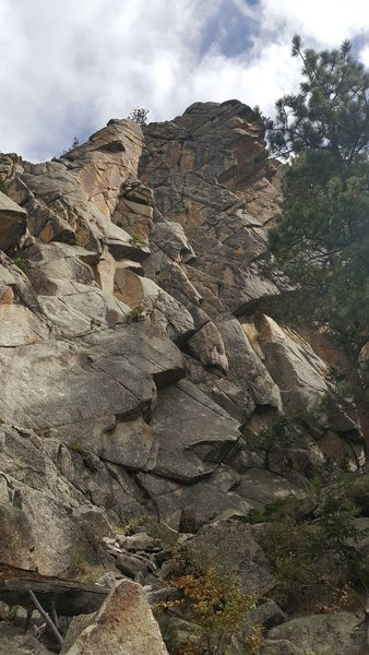 Rock Climbing Photo: Up the flakes to the headwall dihedral and top out...
