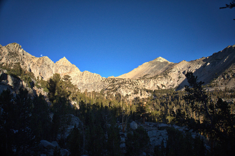 Mount Gould on the right (above Kearsarge Pass).