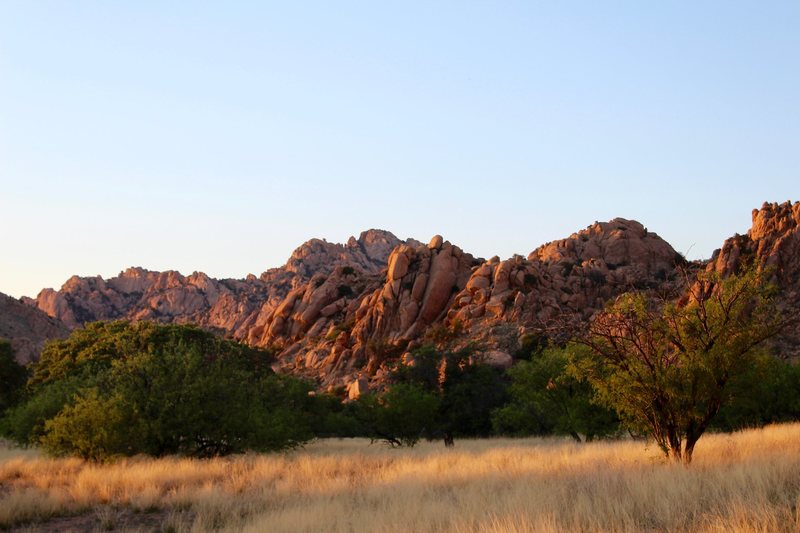 Rock Climbing Photo: Westside view of The Stronghold at sundown