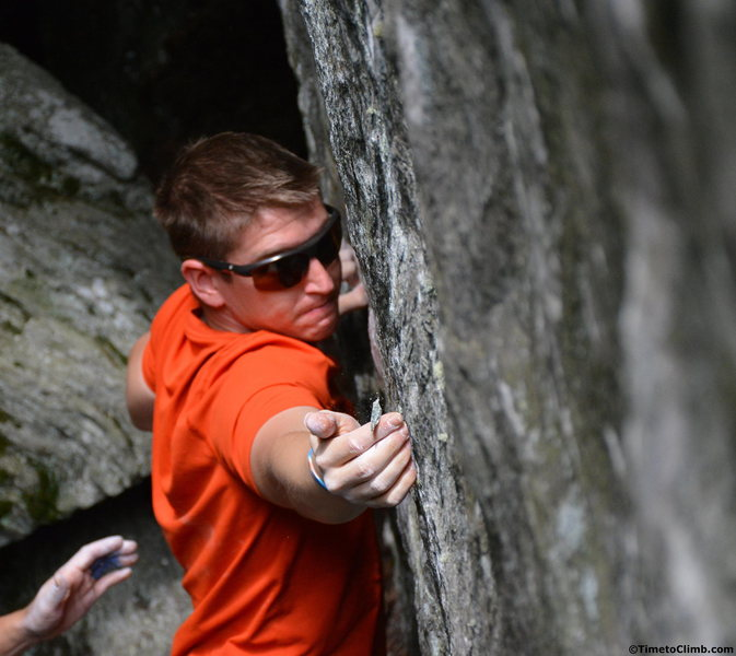 Andrew Messick Bouldering on Dojo in Smuggler's Notch - http://www.timetoclimb.com/bouldering/beat-the-heat-bouldering-in-smugglers-notch/