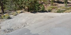 Rock Climbing Photo: Parking spot and trail head. This is the green gat...
