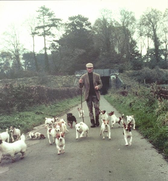A few Jack Russell&@POUND@39@SEMICOLON@s with Eddie Chapman