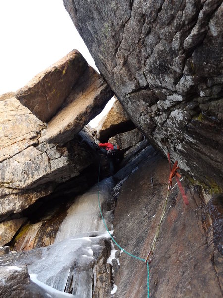 Rock Climbing Photo: Alexander's Chimney P4 on Long's. Conditio...