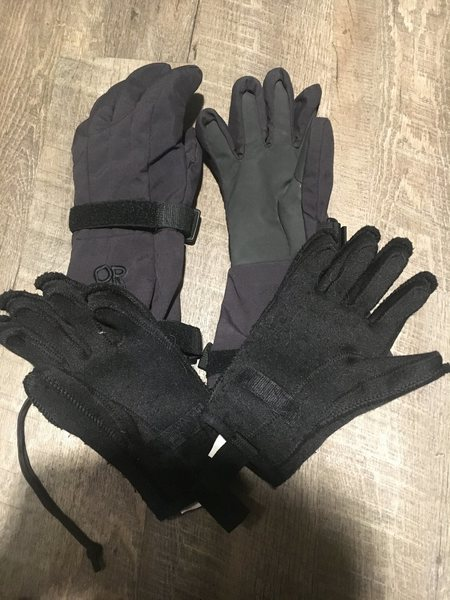 Rock Climbing Photo: Burly OR winter gloves. Small