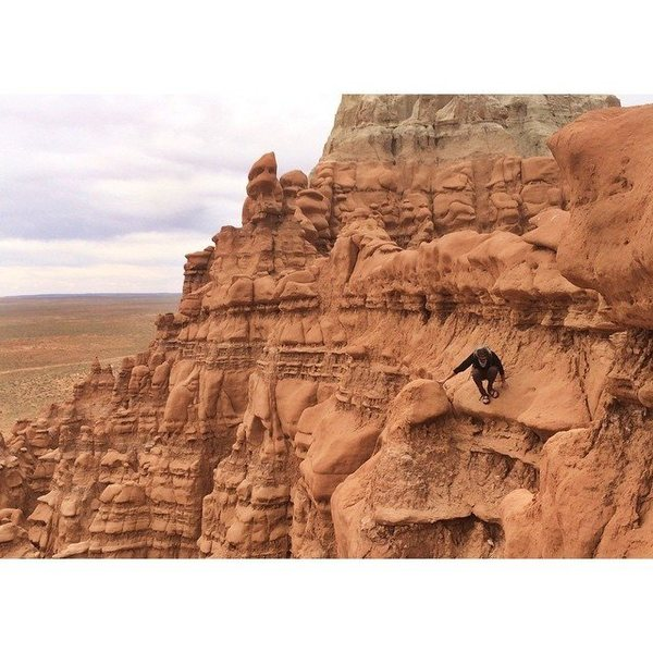 Traversin&@POUND@39@SEMICOLON@ the walls of Goblin Valley SP