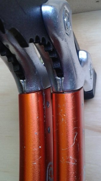 tool head/shaft junction comparison; note gap in junction on right tool