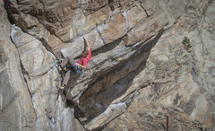 Rock Climbing Photo: Awesome crux sequence on Hot Dog!
