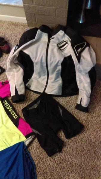 Moto Jacket, Specialized shorts, Specialized jersey All size (L)