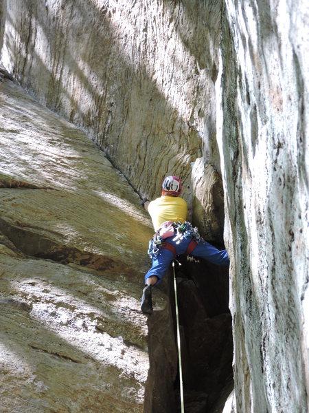 Rock Climbing Photo: Starting on the fun hand crack.