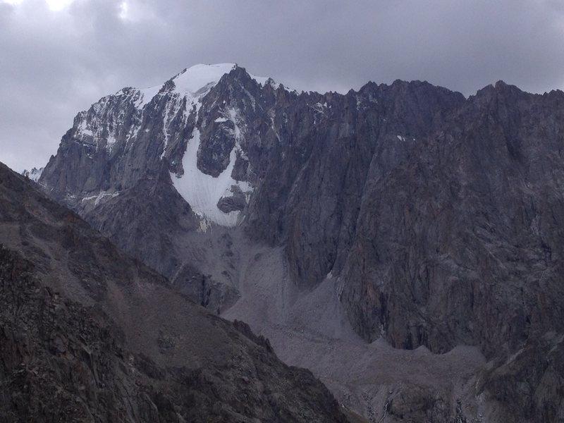 Ak Sai Glacial Valley, opposite the Ratsek Trail