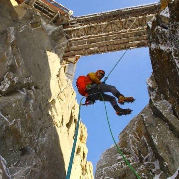 Rock Climbing Photo: Rapping off the Aiguille Du Midi bridge
