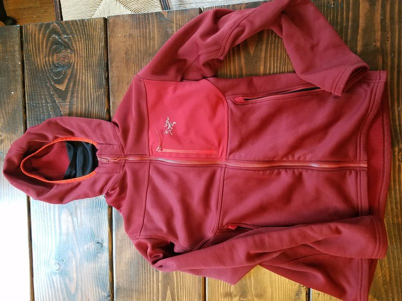 Rock Climbing Photo: Arc'teryx Fortrez Hoody Size Small