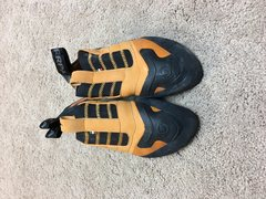 Rock Climbing Photo: Scarpa Instinct S, size 42.5-$80