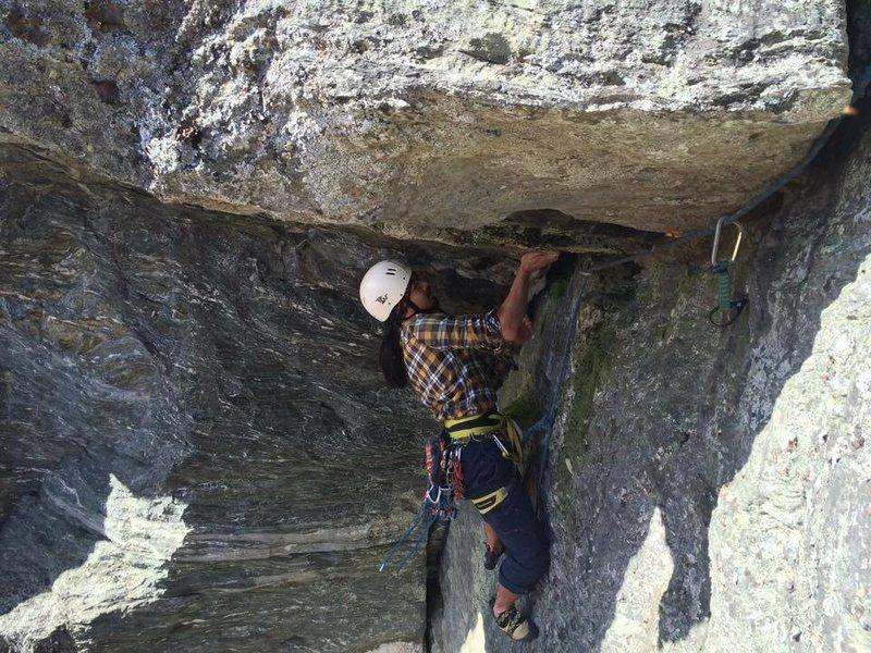 Rock Climbing Photo: Ken Yamakazi following the big roof.
