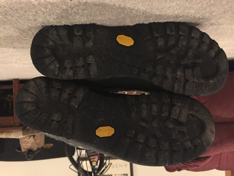 Rock Climbing Photo: soles of charmoz