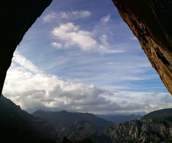 Looking out from the massively overhanging Lourdes, Makinodromo.
