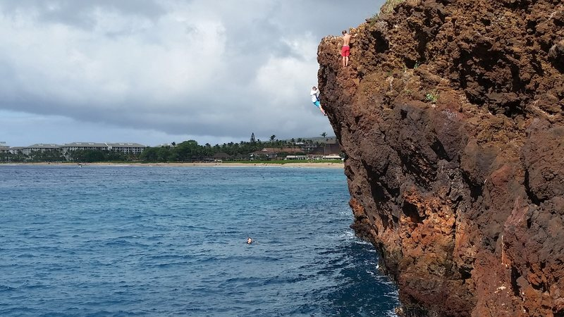 Deep Water Soloing at &@POUND@39@SEMICOLON@The Backside&@POUND@39@SEMICOLON@.  Route is Hang&@POUND@39@SEMICOLON@n Loose 10a.