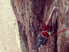 Rock Climbing Photo: Dave Lee hangin' at the traverse.