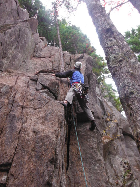 Rock Climbing Photo: Pulling up to the first ledge.