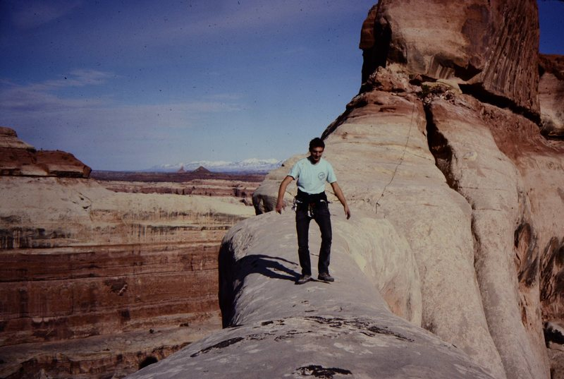 Rock Climbing Photo: Approaching the thinnest part with the 3 holes...