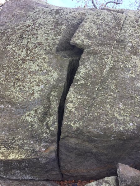Rock Climbing Photo: This is the lightning bolt crack you follow on the...