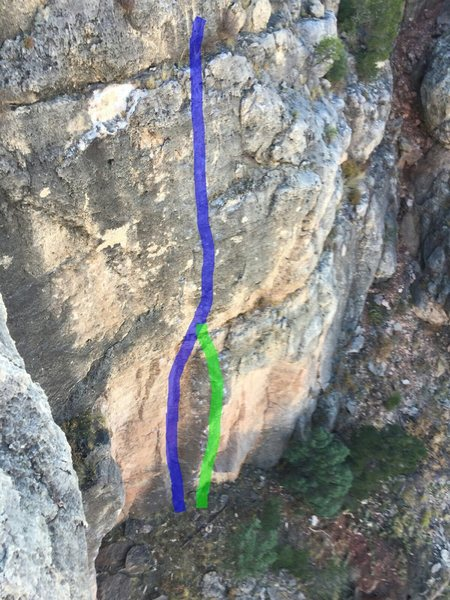 Rock Climbing Photo: The green line is Squeeze.