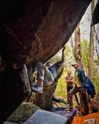 Rock Climbing Photo: Carl works Mo Mangos V7 on Caves Trail at the Hays...